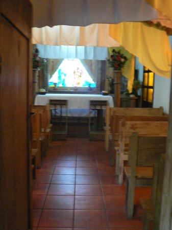 Hotel Posada Del Hermano Pedro: petite chapelle de l'hotel