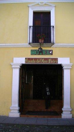 Hotel Posada Del Hermano Pedro : entrée de la posada