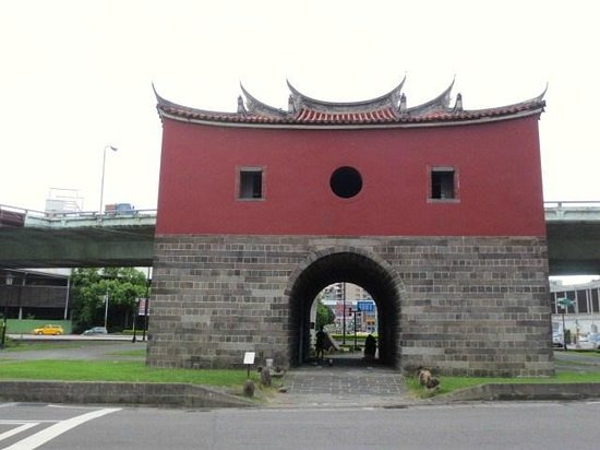 North Gate: 外観
