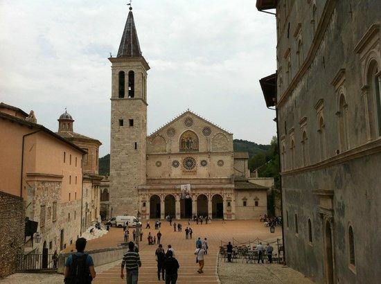 Piazza del Duomo: La piazza dall'alto della gradinata