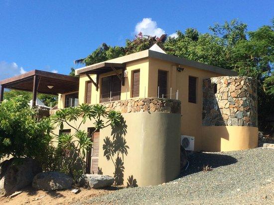 Surfsong Villa Resort: The Beach House