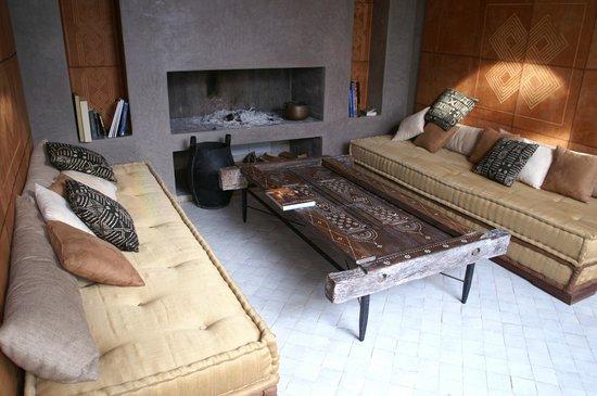 Riad Houma : Petit salon au coin du feu