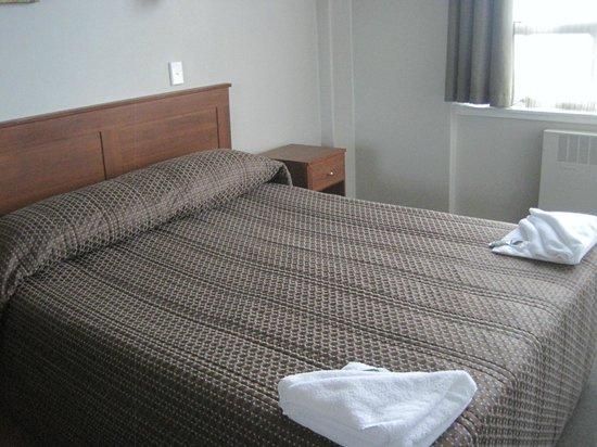 Kiwi International Hotel: Bed- Room 163
