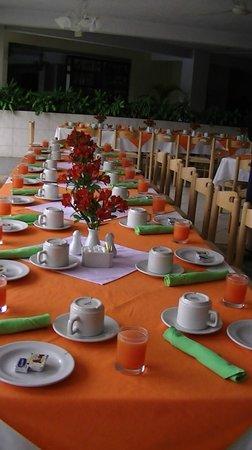 Hotel La Riviera de Atitlan: mise de table pour le petit dejeuner