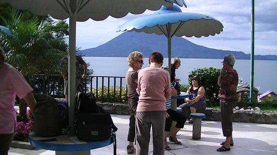 Hotel La Riviera de Atitlan: pres de la piscine