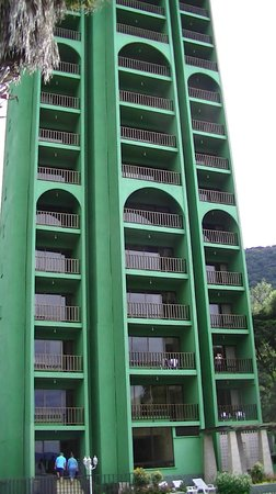 Hotel La Riviera de Atitlan: batiment avec vue sur lac