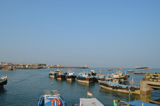 Beyt Dwarka Beach : Okha Jetty - overview