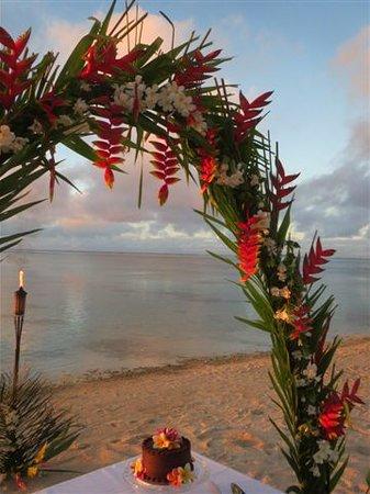 Etu Moana: Flower Archway