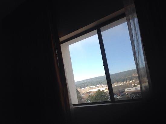 DoubleTree by Hilton Hotel Flagstaff: view from bed