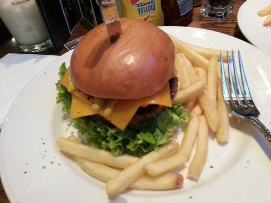Hard Rock Cafe: The Veggie Leggie (sorry, I ate half the fries already!) Yum