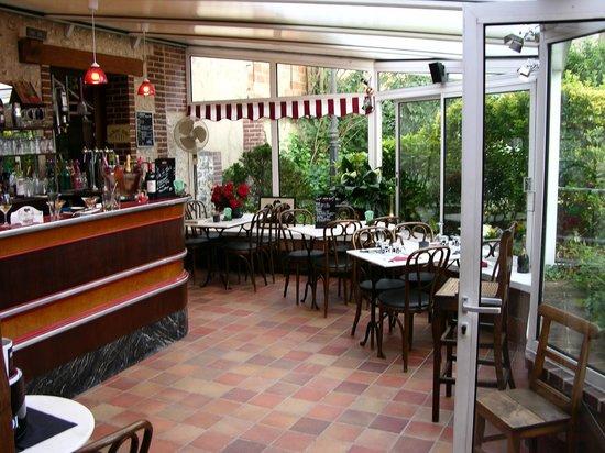 Ande, Франция: côté bar restaurant