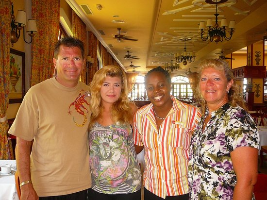 Hotel Riu Palace Tropical Bay: Our new friend Nadine