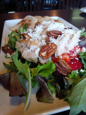 ABC Country Restaurant: Chicken Summer Salad