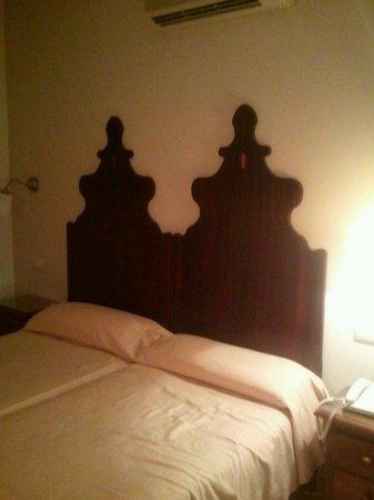 Hotel Iberia : dormitorio