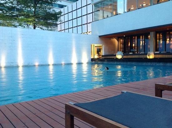 COMO Metropolitan Bangkok: zwembad