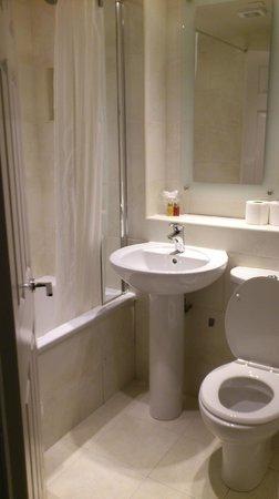 BEST WESTERN Moorings Hotel : Bathroom
