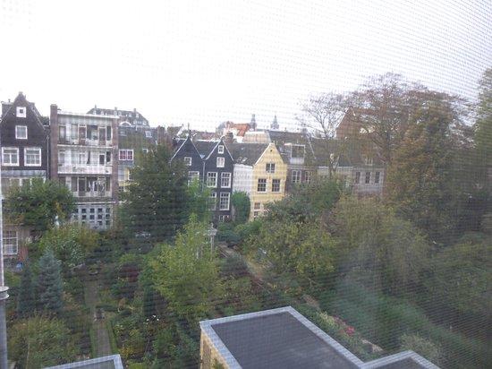 Hotel Keizershof: View of the garden from Rita Hayworth