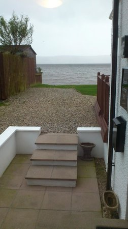 Beach Cottage B&B: View from front door step