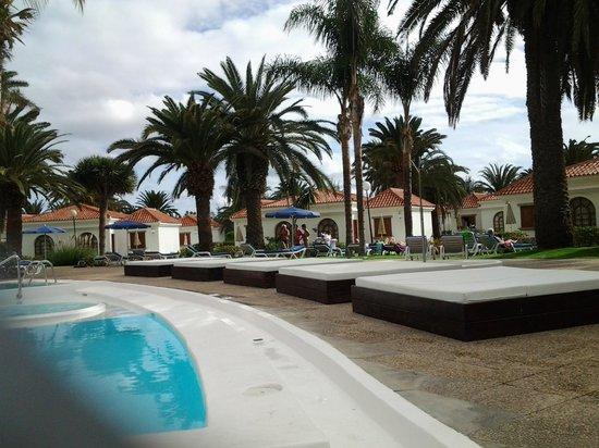 Bathroom tiles 4 star not picture of eo suite hotel for Suitehotel jardin dorado