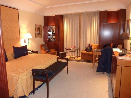 Hotel Adlon Kempinski: bedroom