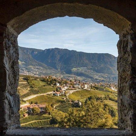 Schloss Tirol - Südtiroler Museum für Geschichte: Вид на деревню Тироль