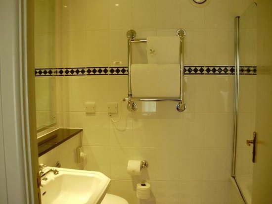 Macdonald Botley Park Hotel & Spa, Southampton: Bathroom - very clean