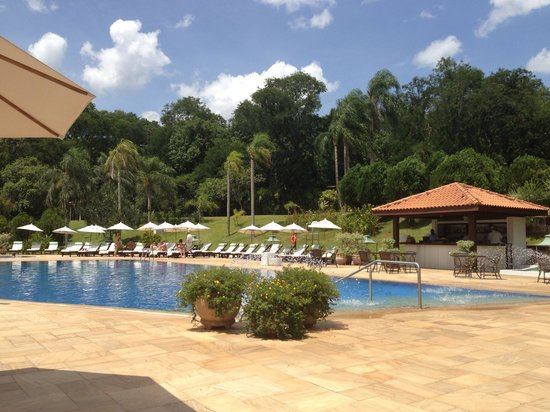 Belmond Hotel das Cataratas: Breakfast by the pool