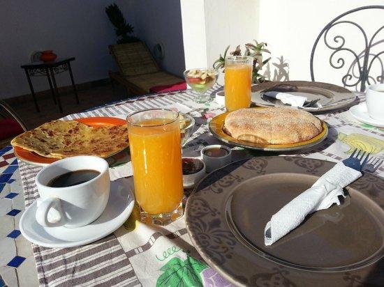 Riad Thais: Breakfast 2