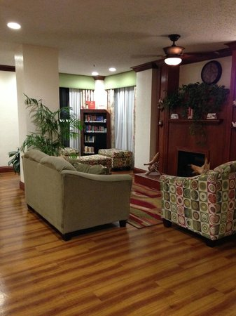 Country Inn & Suites By Carlson, Miami (Kendall): Lobby (Complementary books)