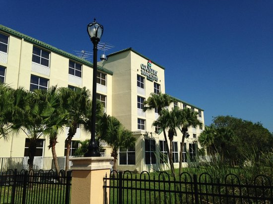 Country Inn & Suites By Carlson, Miami (Kendall): Front of Hotel