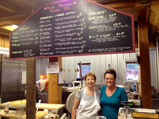 White Mountain Cider Company: Friendly staff at White Mountain Cider Co!