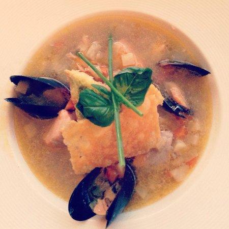 Alberta 13: Seafood soup