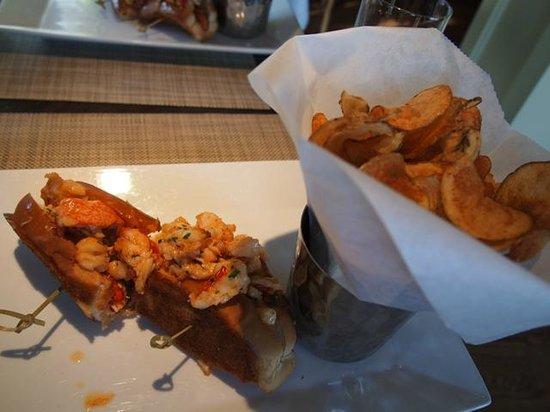 Saybrook Point Inn & Spa: lobster sandwich in hotel restaurant