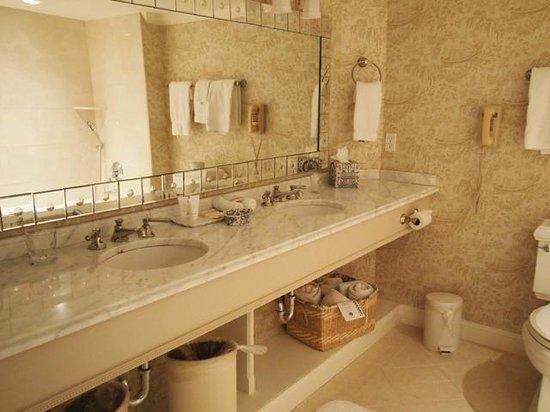 Saybrook Point Inn & Spa: bathroom