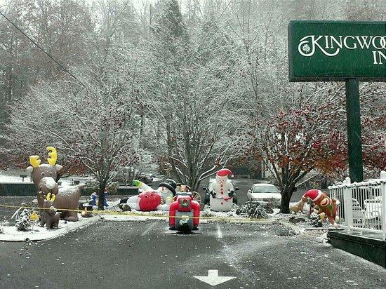 First snow at kingwood inn
