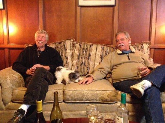 Burton Inn: sitting room