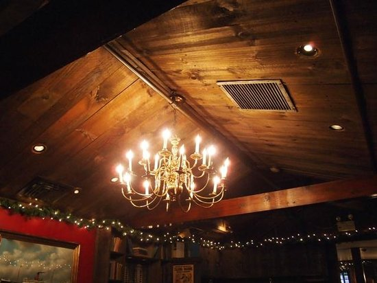 Griswold Inn ~ Dining: covered bridge-like interior