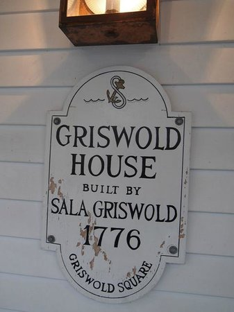 Griswold Inn ~ Dining: street sign