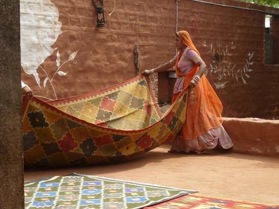 Pukhraj Durry Udhyog : Beautifull woven rugs