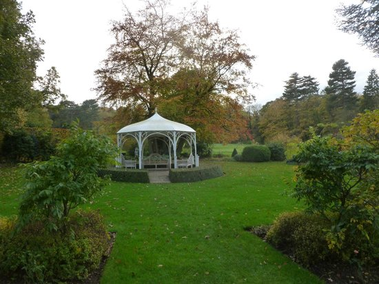 Quorn Grange Hotel: Attractive landscaped garden