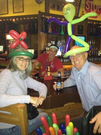 Señor Frog's: Our new hats and our very nice bartender!