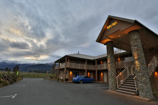 Hot Springs Motor Lodge: Exterior Photo