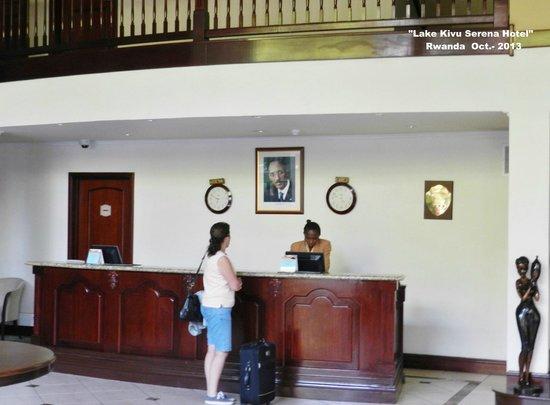 Lake Kivu Serena Hotel: Recepcion
