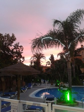 Muthu Grangefield Oasis Club: cracking sun set
