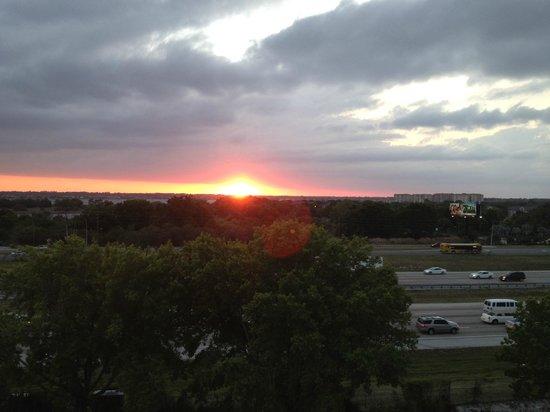 Rosen Inn at Pointe Orlando : Sunset from block A, top floor.