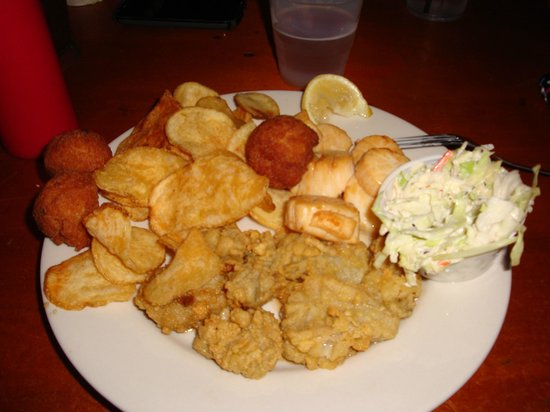 Bimini's Oyster Bar and Seafood Cafe: fried oysters and scallops