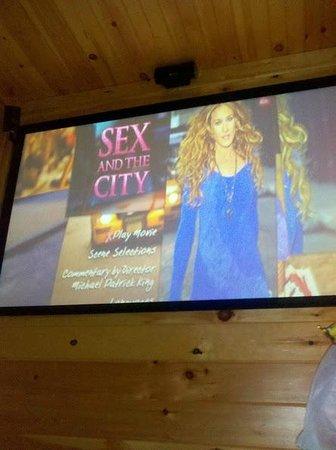 Gatlinburg Falls Resort: Theater Screen (in cabin theater)