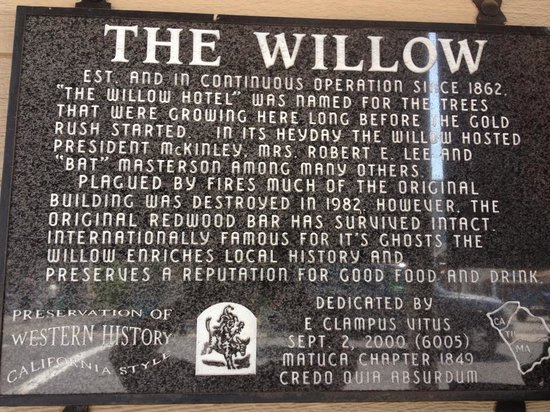 The Willow Steakhouse : Sign
