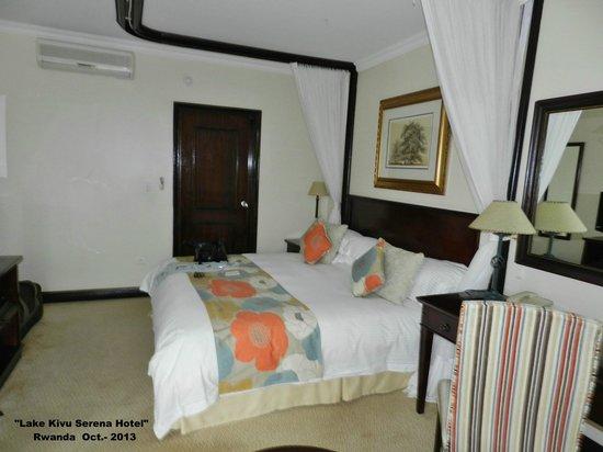 Lake Kivu Serena Hotel: Dormitorio