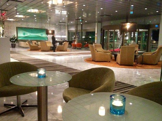 Hilton Helsinki Kalastajatorppa: Lobby